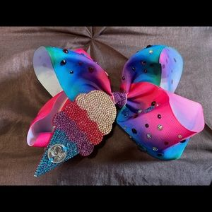 Jojo Siwa #25 Bow of the Month